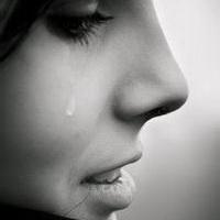男人不哭男人的眼泪头像图片5