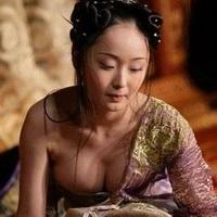大胸美女性感大胸姐妹头像图片4