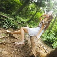 森林系女孩儿头像图片18