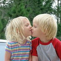 偶尔可爱情侣小孩儿情侣头像图片19