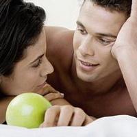 情侣深情对视凝望头像图片26