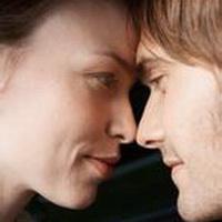 情侣深情对视凝望头像图片7