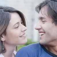 情侣深情对望凝视头像图片12