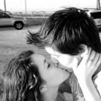 微信接吻图片_欧美黑白情侣亲吻头像_欧美黑白情侣亲吻qq头像图片_欧美情侣扣 ...