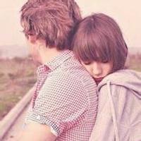 欧美情侣拥抱