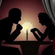 情侣烛光晚餐