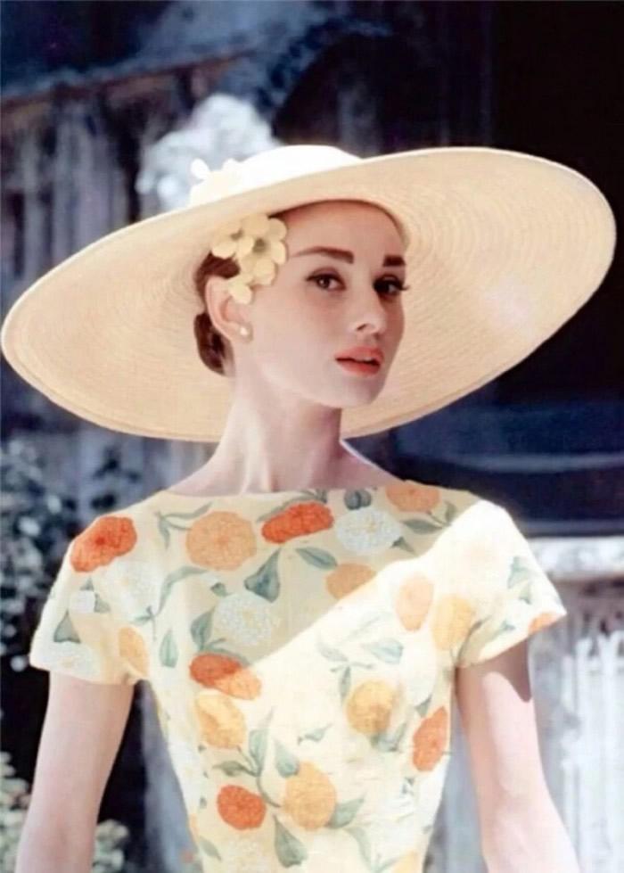 世界十大美女排行榜之奥黛丽赫本