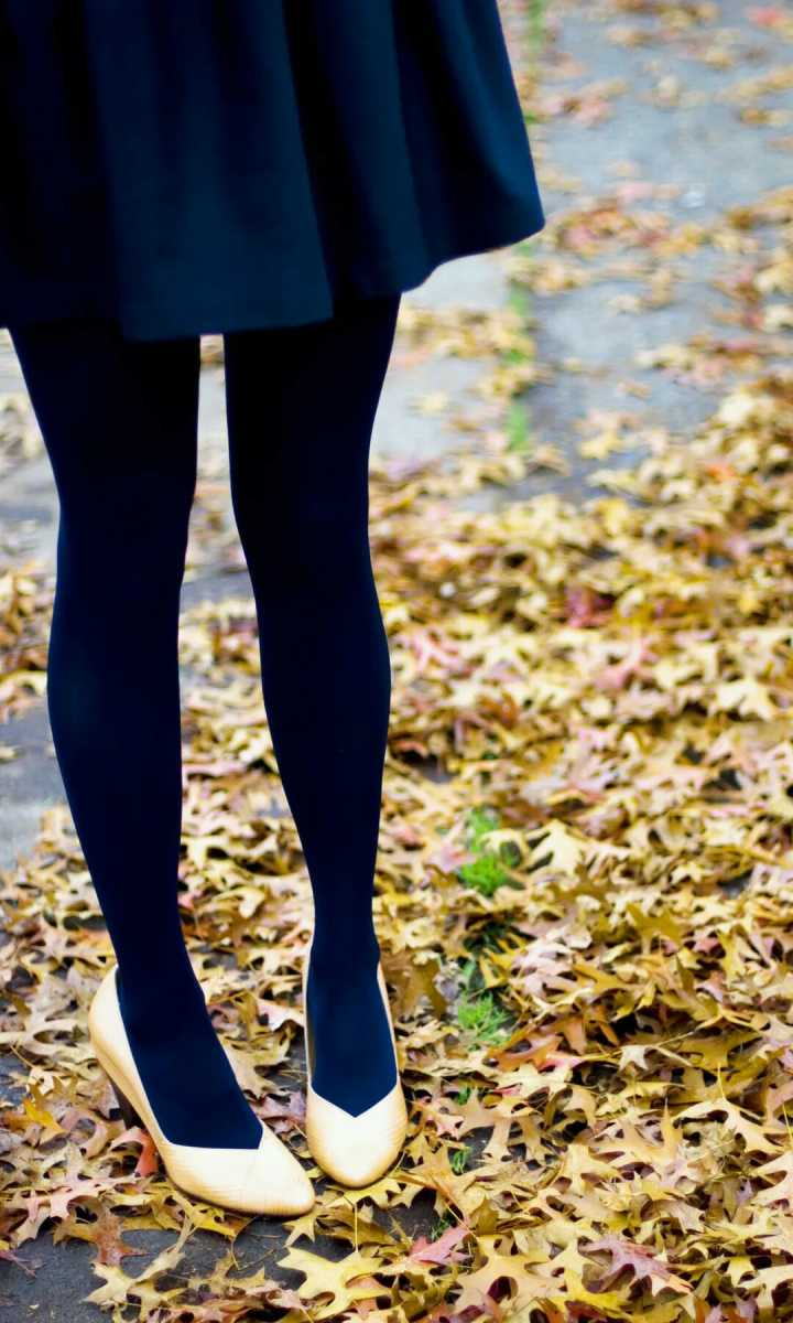 优雅自然丝袜美女